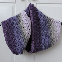 infinity Scarf Crochet in purple, lavender, pale pink