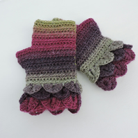 Dragon Scale Cuff Fingerless Mitts  Plum Blackcurrant Sage and Olive