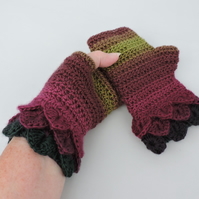 Dragon Scale Cuff Fingerless Mitts  Burgundy Magenta and Olive  -  Acrylic