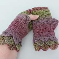Dragon Scale Cuff Fingerless Mitts Pink and Olive