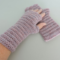 Fingerless Mitts  Pale Heather  100% Acrylic
