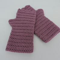 Crochet Fingerless Mitts with Wavy Edge Top Grape