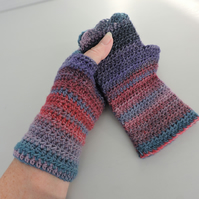 Fingerless Mitts   Wool and Acrylic Dark Blue Light Blue Red