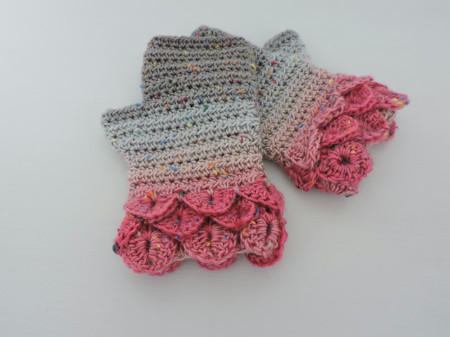 SALE now 7.50 Dragon Scale Cuff Fingerless Mitts Mid Grey Pale Grey  Dark Pink
