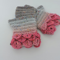 Dragon Scale Cuff Fingerless Mitts Mid Grey Pale Grey and Dark Pink