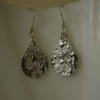 Fine silver tear drop earrings
