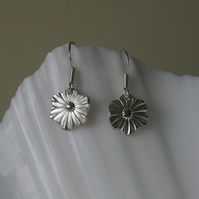 Dainty flower silver earrings