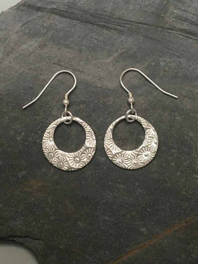 Sunflower impression round silver earrings