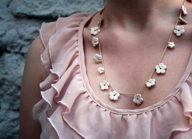 Porcelain flower necklace - ceramic jewellery - white daisy chain garland