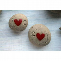 Wedding favours - personalised heart pebbles