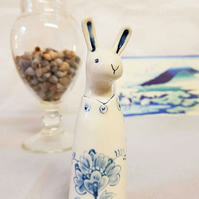 Delft Hare in blue and white - handpainted floral pattern
