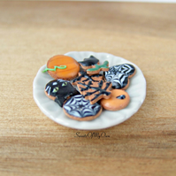 Miniature Plate of Halloween Biscuits - Gingerbread - Miniature Food - Bakery It