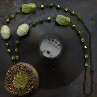 Green Statement Necklace With Embossed Centre