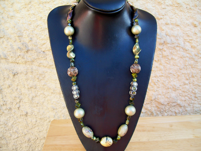 Natural beauty necklace with mixed green glass clay and resin beads