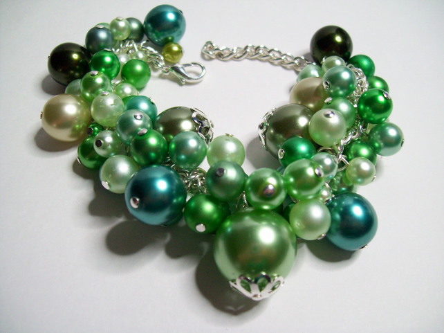 Green glass pearl charm bracelet