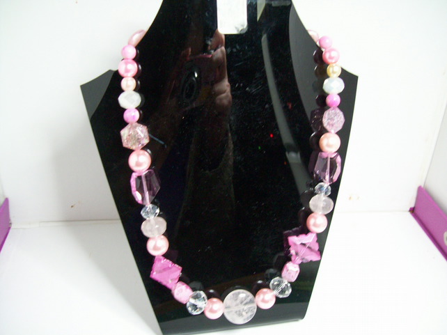 Bella du jour necklace with mixed shades of pink beads