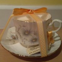 Salisbury teacup candle with soya wax