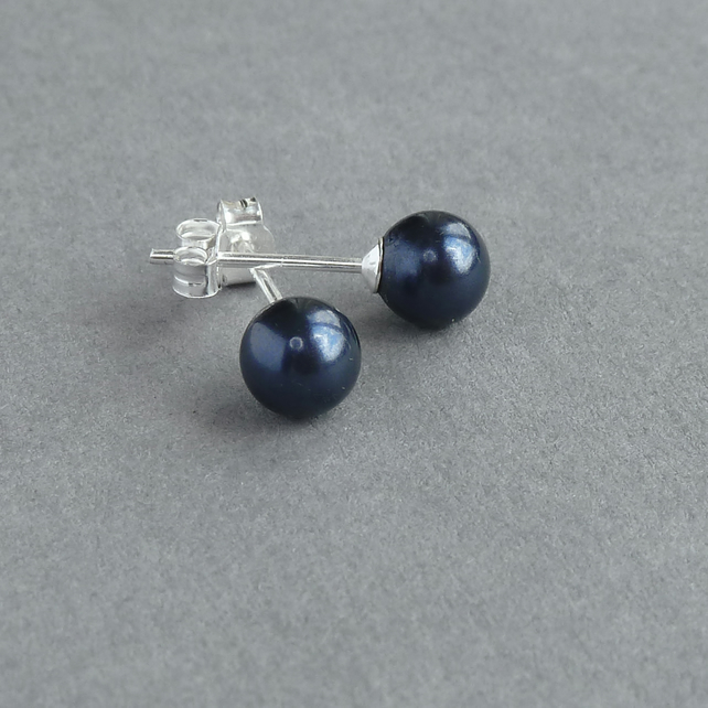front blue sapphire stud earrings
