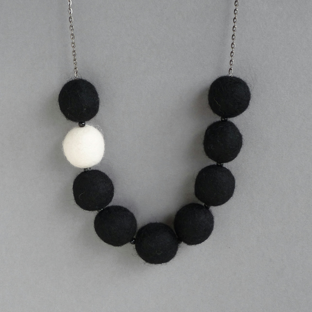 Ivory and Black Felted Necklace - Chunky Bead Felt Necklace