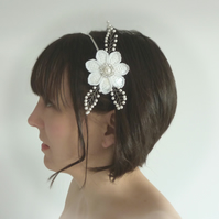 White Flower Bridal Headpiece - Pearl Floral Tiara - Woodland Wedding Fascinator