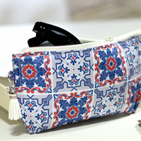 Blue eyeglasses case - Moroccan Tile print glasses case with zipper