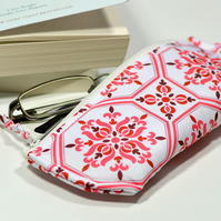 Christmas gift for reader - Red glasses case - Eyeglass cover padded