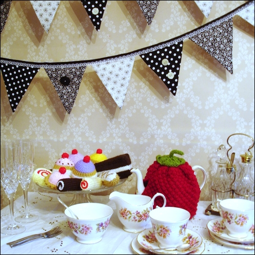 Shabby chic, black and white bunting
