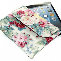 SALE, Ipad Mini Clutch Style Bag Shabby Chic Roses