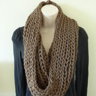 Chunky Knitted Snood - Coffee