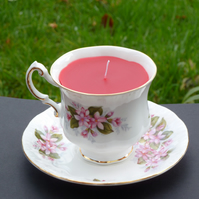 Recycled candle in a tea cup - vanilla