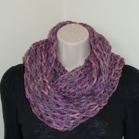 Chunky Knitted Infinity Scarf - Lilac