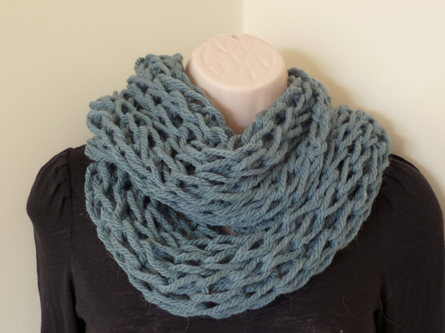 Chunky Loose Knit Snood – Sea Blue