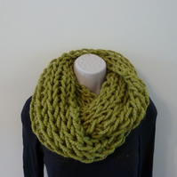Chunky Loose Knitted Infinity Scarf - Lime Green