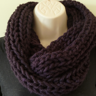 Chunky Knitted Infinity Scarf - Plum