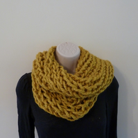 Chunky Loose Knitted Infinity Scarf - Mustard