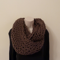 Chunky Knitted Infinity Scarf - Coffee