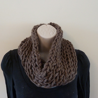 Chunky Knitted Cowl - Coffee