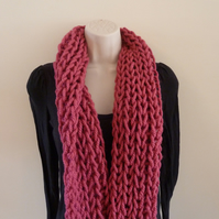 Chunky Loose Knitted Infinity Scarf - Raspberry Pink