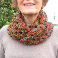 Crochet, cosy cowl in warm colours. Unique. Ideal gift.