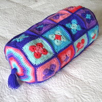 Crochet Bolster cushion or pillow photo tutorial. Own design. PDF download.