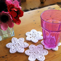 Crochet coaster and hanging decoration pattern.  Photo tutorial. PDF download.