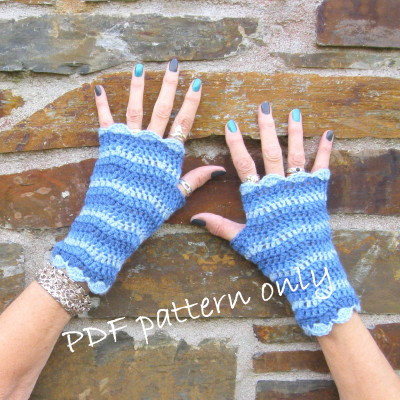 Crochet pattern. Fingerless gloves. Photo tutorial.  PDF pattern..