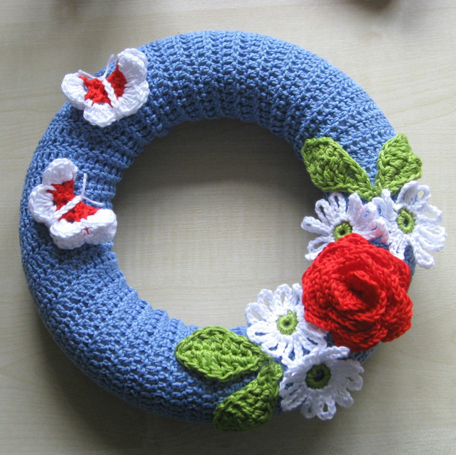 Crochet wreath photo tutorial. PDF pattern.