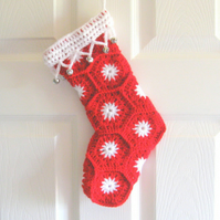 Christmas stocking photo tutorial. PDF crochet pattern. Christmas crochet.