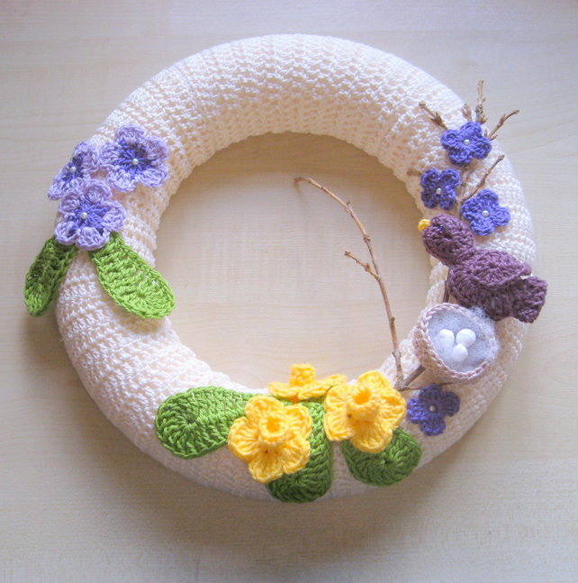 Spring wreath. PDF crochet pattern. Photo tutorial. Instant download.