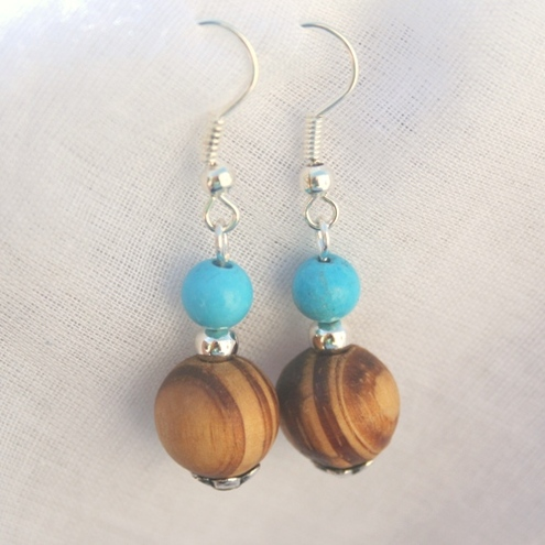 Earrings in turquoise and wood