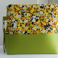Project bag - a large sized, zip topped panda bag with detachable wristlet