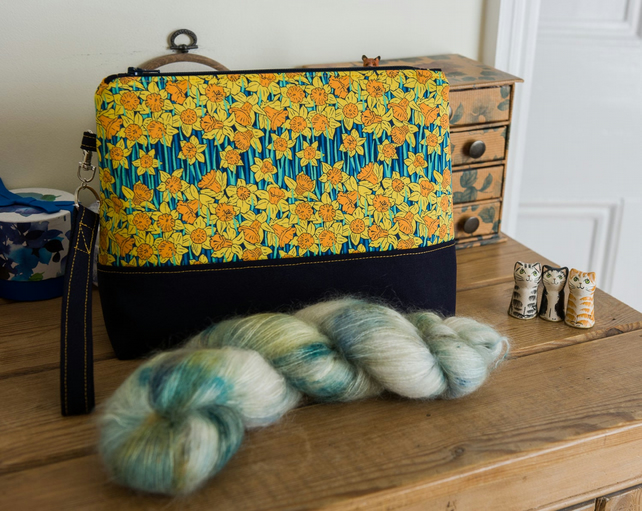 Project bag - a zip pouch featuring Liberty daffodils with detachable wristlet