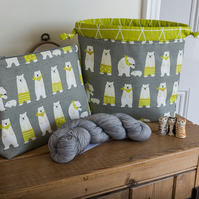 Project bag in a zipped top or drawstring style, featuring fun polar bears!