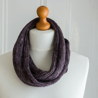 Fine Herringbone Cowl - hand knit in the round with pure merino wool